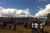 Piknikteki kalabalıktan bir görüntü